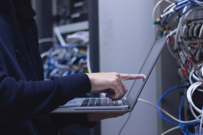 System Administrator: What does He Do? Features and Skills