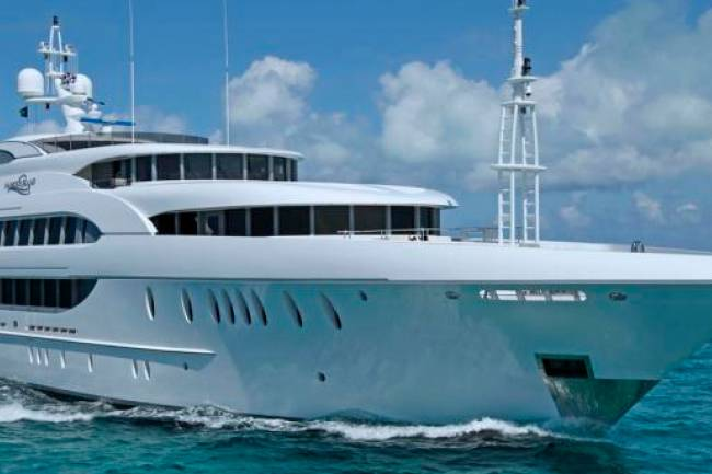 Bahamas Luxury Yacht Charter Offers Incredible Experience