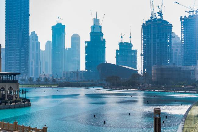 Small Guide on Advantages of Setting New Business in Dubai, UAE