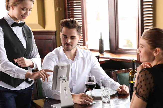 How will data analytics increase the revenue of a restaurant?