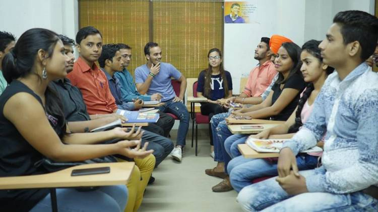 Spoken English Classes in Delhi