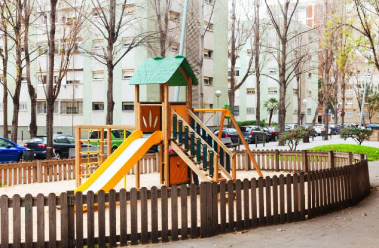 Advantages of Buying a Flat With Kids Play Area
