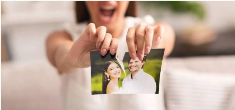 Restoring Ripped Photographs Using Photoshop